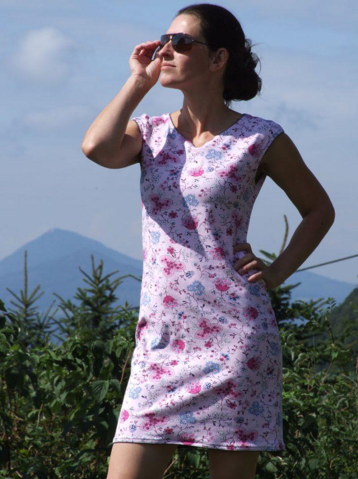 Květované úpletové šaty