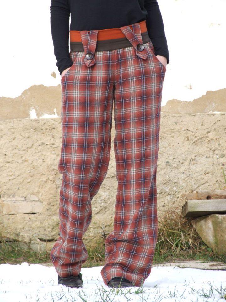 Rezavé kostkované kárované kalhoty