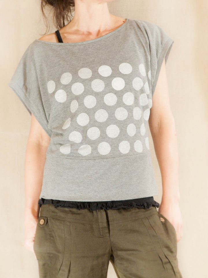 dámské triko bílé puntíky