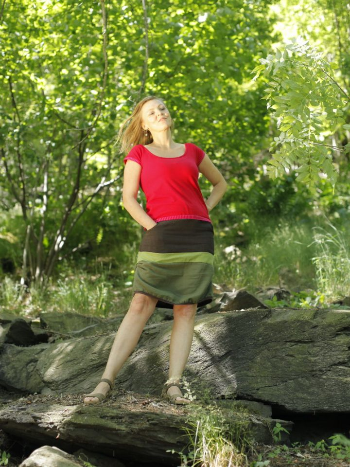 Lněná pruhovaná dámská sukně