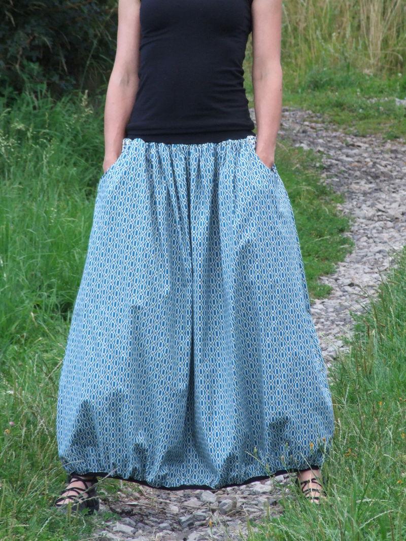 ec6f09f7120 Biobavlněná dlouhá sukně modrá | Canafé – autorská móda, oděvy z ...